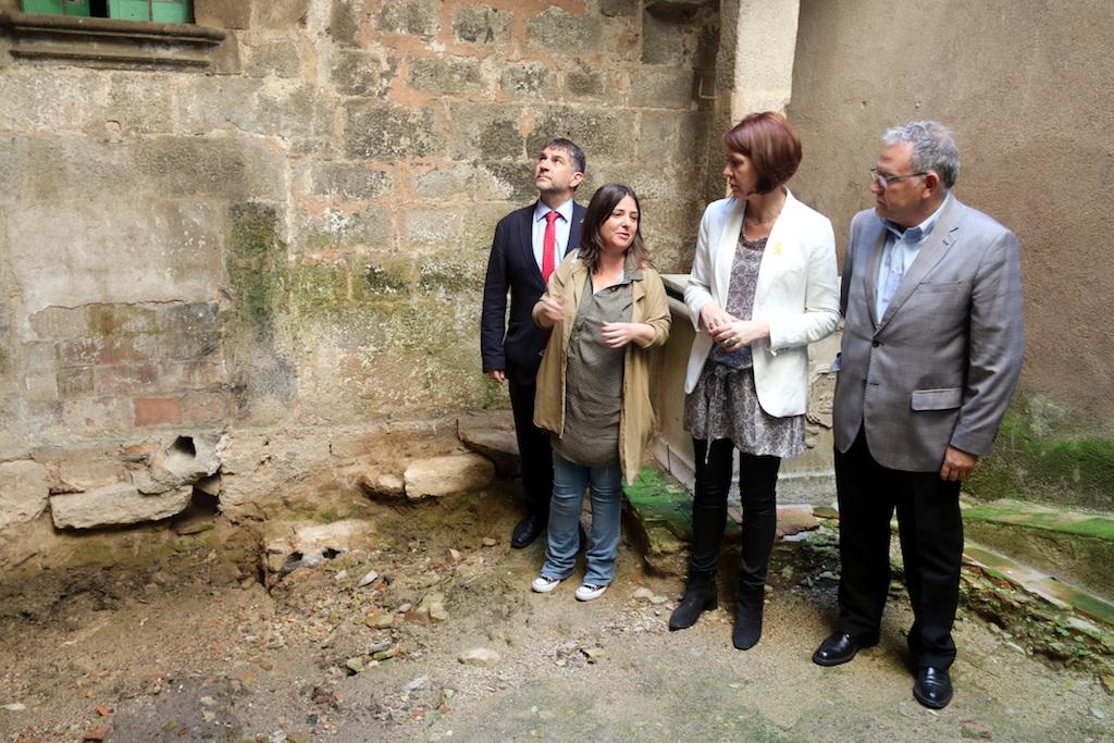 Troben Un Pany De Muralla Romana Del Segle Iii Dc Dins Una Casa Del