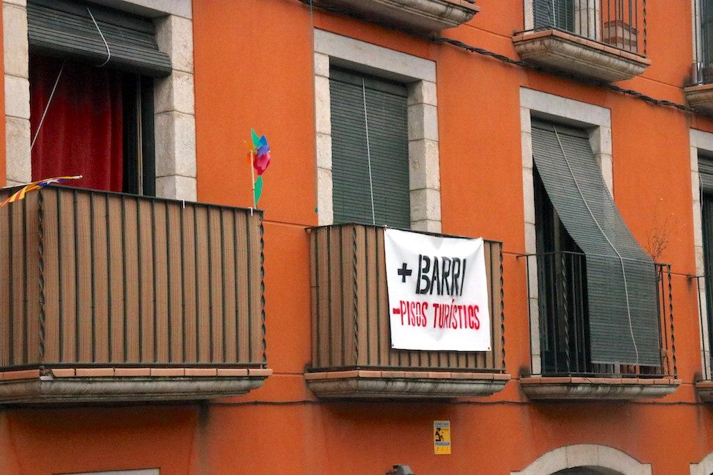 L 39 ata assegura que l 39 oferta de pisos tur stics a girona s - Pisos barri vell girona ...