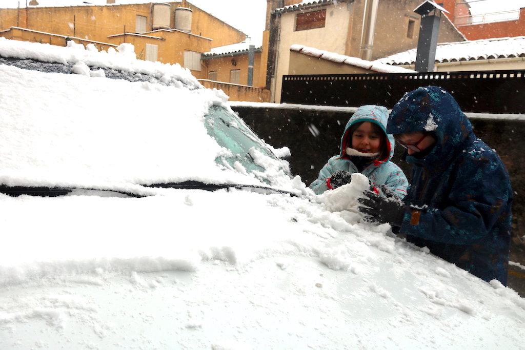 La neu obliga a tancar 20 escoles de la selva i el giron s i afecta m s de alumnes el - El tiempo en macanet de la selva ...