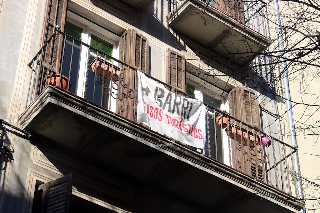 El ple de girona rebutja aplicar una morat ria de llic ncies per a nous habitatges d 39 s tur stic - Pisos barri vell girona ...