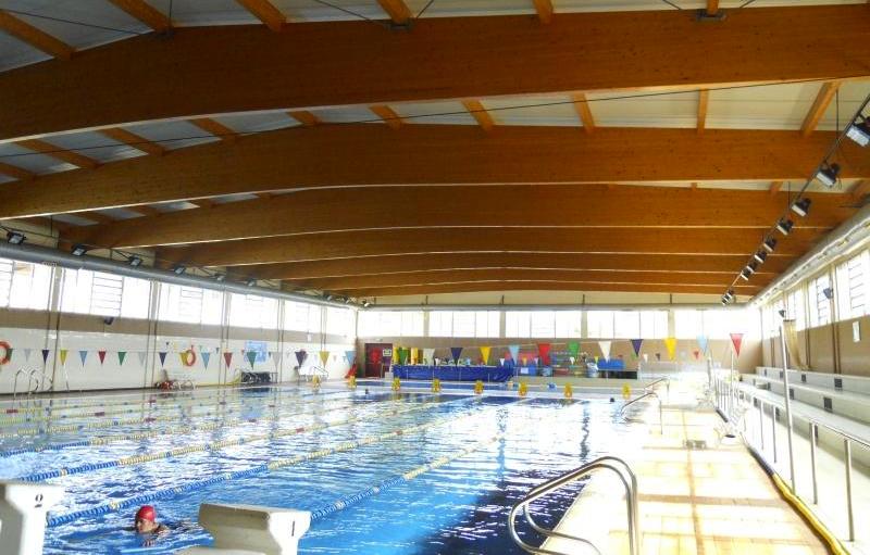 un error qu mic intoxica lleument 12 persones a la piscina