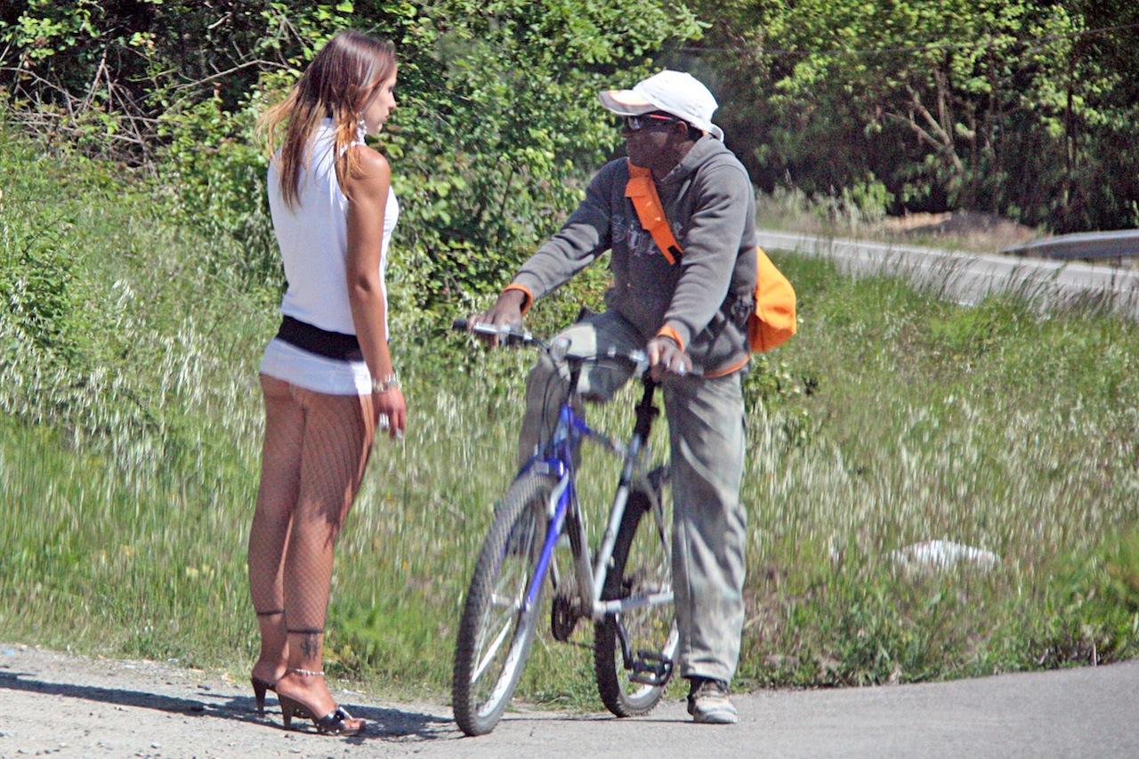 prostitutas follando carretera callejeros prostitutas barcelona