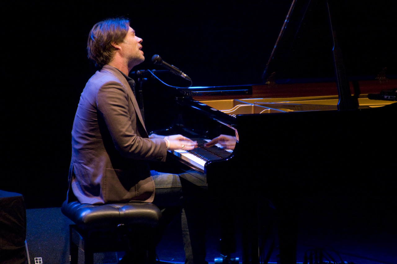 wainwright personals 1-16 of 678 results for rufus wainwright amazon music unlimited listen to any song, anywhere learn more about amazon music unlimited vibrate: the best of [explicit].